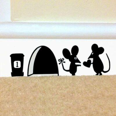 Αυτοκόλλητο τοίχου ποντικότρυπα με  ζευγάρι ερωτευμένα ποντικάκια  - MH288 OEM